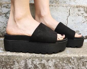 Vintage 90s Steve Madden Black Fabric Extra Chunky Platform Slip On Summer Sandals 6