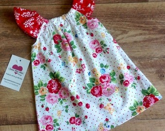 Girls Dress, Size 0 , Flutter Sleeve Dress, Retro Floral, baby girl dress, handmade dress, party dress, ready to ship
