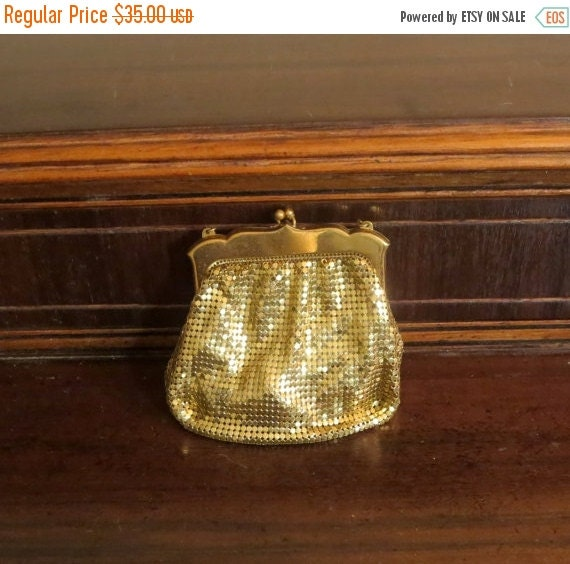 Football Days Sale Whiting and Davis Gold Tone Mesh Kisslock Coin Purse Clutch- Made In the United States-VGC