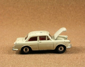Dinky Toys vw 1500 No. 144 - 1960s Cream VW 1500 Diecast Car - Vintage Miniature Toys