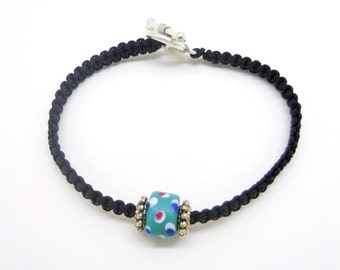 Bracelet macrame and small millefiori bead
