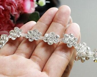 High quality flower Rhinestone Trim,1/2Yard, Rhinestone collar Applique,Crystal applique, cuff ,Sash ,Bride hair band,DIY Wedding