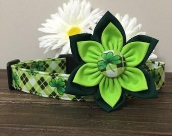 Dog collar, Shamrock dog collar, St. Patricks day dog collar, Dog Flower, Collar Flower, Shamrock bow tie, Glitter dog collar, green collar
