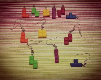 Pack of 6 pieces of the game Tetris earrings made of fimo. Pack 6 Earrings Tetris Game Pieces of polymer clay
