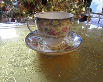 ENGLAND OLD ROYAL Teacup and Saucer Set