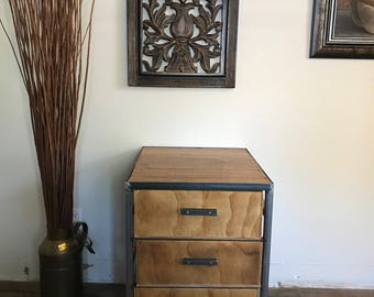 End table/ Night stand Vintage