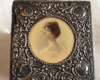 Vintage Art Nouveau silver & velvet keepsake box