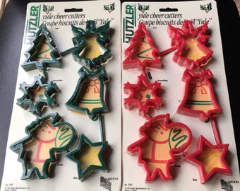 Hutzler Cookie Cutters Christmas Yule Holiday Cutters Red Green  Lot Of 12 Sugar Cookies  Play Dough Paper NOS 1997