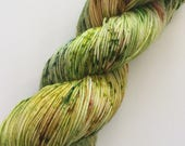 """SunDancer 100 gr/463 yds - hand dyed fine fingering sock weight yarn, colorway """"Hot Green Chile"""""""