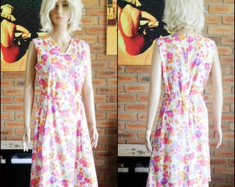 Kitly Fashions of Melbourne 1970s pretty floral tie-waist polyester sleeveless dress, knee-length, marked size 18