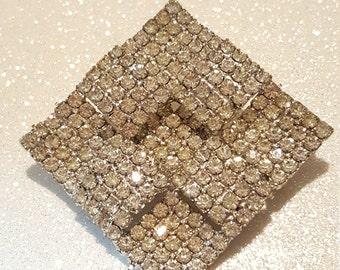 Awesome 3D Clear Rhinestone Pin Brooch Silvertone