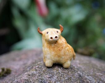 miniature bull, miniature animal, bull figurine, clay bull, clay animal figurine, collectable, bull totem