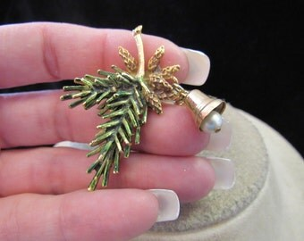 Vintage Fall Green Enameled Leaves Danging Faux Pearls Bells Pin