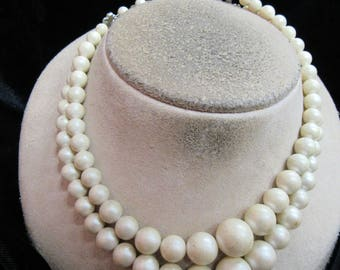 Vintage Double Stranded Graduated Off White Beaded Necklace