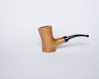 Handcrafted wooden pipe of Briar