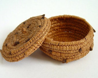 Finely Woven Vintage Miniature Coiled Pine Needle Basket with Lid