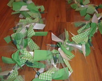 Green Gingham and White Lighted Garland LED