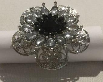 Black & white RHINESTONE flower ring