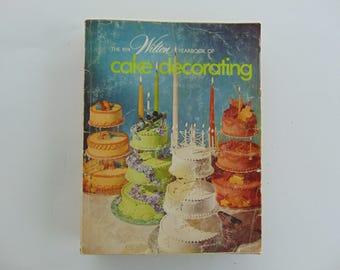 Wilton Yearbook 1974 Cake Decorating