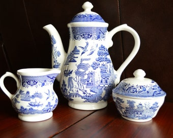 Churchill Blue Willow Georgian Shaped Coffee Pot, Creamer and Sugar Bowl with Lid