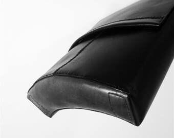 The curve, flexible messanger bag