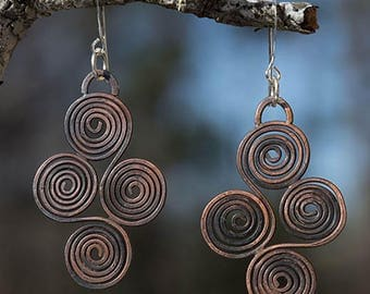 Rustic Copper Swirl Earrings, Celtic Copper Earrings, Darkened Dangle Earrings, Spiral Geometric Earrings, Modern Antiqued Women's Earrings