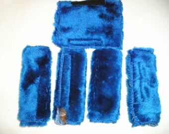 Pair of plush blue or fleecy pink seat belt covers, set of two, mix and match color.