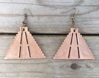 Lightweight Chichen Itza mexican pyramid dangle earrings