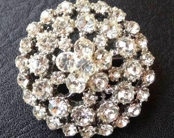 Beautiful vintage clear rhinestone circle   silver tone brooch
