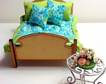 Lime Garden 1/12 scale Dbl/Qn Quilt with 4 stunning cushions to match