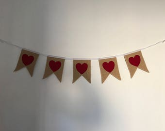 Red hearts bunting