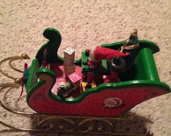 Lovely vintage wooden Christmas sleigh music box