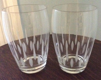 Modernism, Kitchy, 50's Lovely Etched Juice Glasses