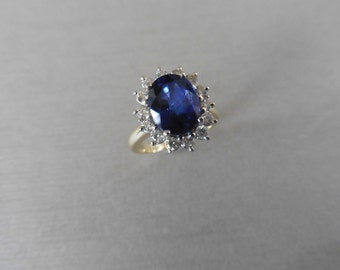 2.00ct Sapphire and diamond cluster ring