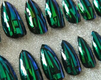 Black Shattered Glass False Nails.