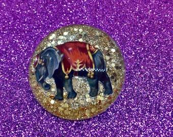 Circus vintage elephant gold glitter glass brooch