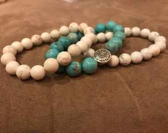 Set of three speckled bead stretch bracelets