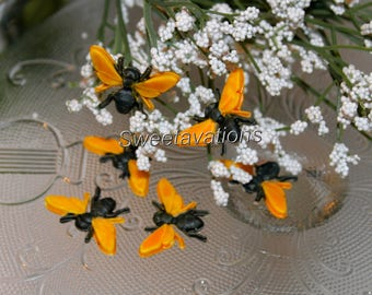 Fondant Bee Cake Toppers  (Qty 12 or 24) - Fondant Bumble Bee - Fondant Insects - Cake Decorations - Birthday - Wedding - Baby Shower