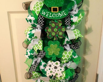 St. Patricks Day Swag / St. Patricks Swag/ St. Patricks Day Wreath/St. Patricks Vertical Wreath/ Shamrock Wreath/Green Wreath