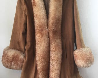 Sheepskin winter fur coat woman size medium .