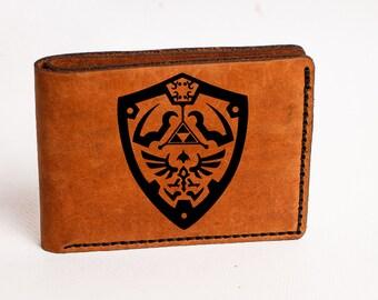 Zelda Wallet, Mens Wallet,zelda Leather Wallet, Zelda Hyrule Crest, zelda bifold , engrave Wallet, Triforce bifold, legend of zelda