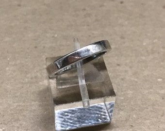 size 5, vintage Sterling silver handmade ring, solid Mexican 925 silver band, stamped 925 mexico