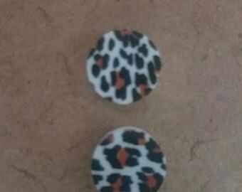 acrylic lasercut leopard round button earrings