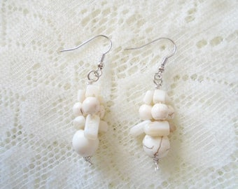 Gemstone bunch earring, Howlite bunch earring, Available in four colors