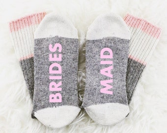 Wine Socks, If You Can Read This Bring Me Wine Socks, Bridesmaid Socks, Bridesmaid Gift, Photography Prop, bridal photoshoot