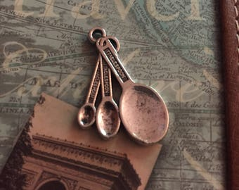 Lot of 5 Antique Silver Tone Set of Measuring Spoon Charms.. Baking Charms