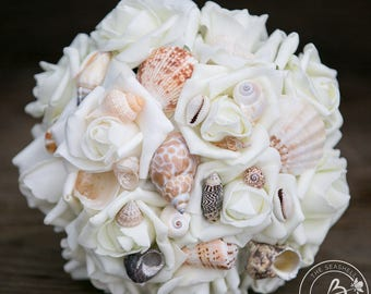 Seashell bridesmaid bouquet, beach wedding bouquet, small wedding bouquet, sea shell roses wedding bouquet, beach destination wedding
