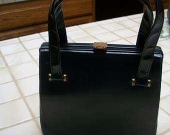 Fabulous 1950's Black Vinyl Handbag With Leather Lining. Very Retro...Super Cute...Very In!!