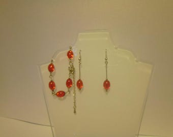 Red glass bracelet and earings set.
