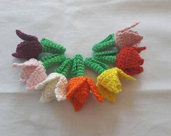Tulip broche, crocheted (5,5 cm length)